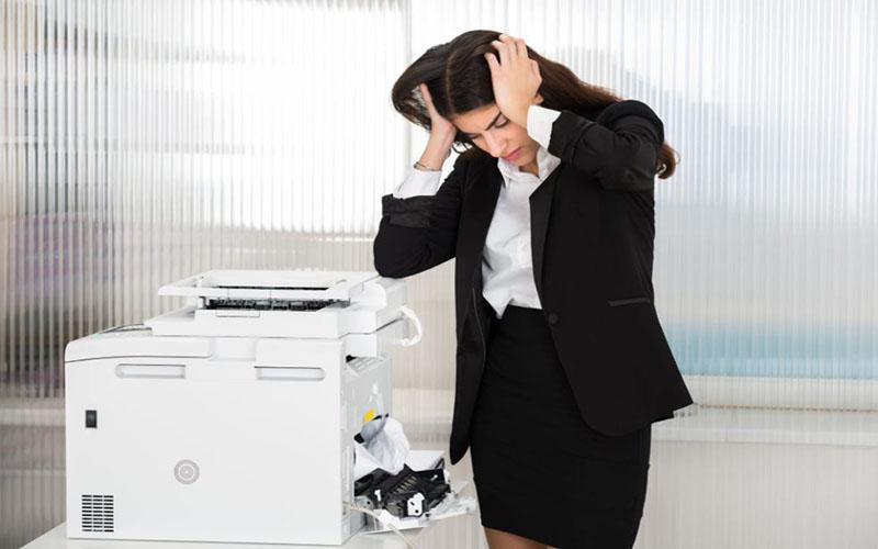Nguyên nhân máy photocopy bị kẹt giấy là gì