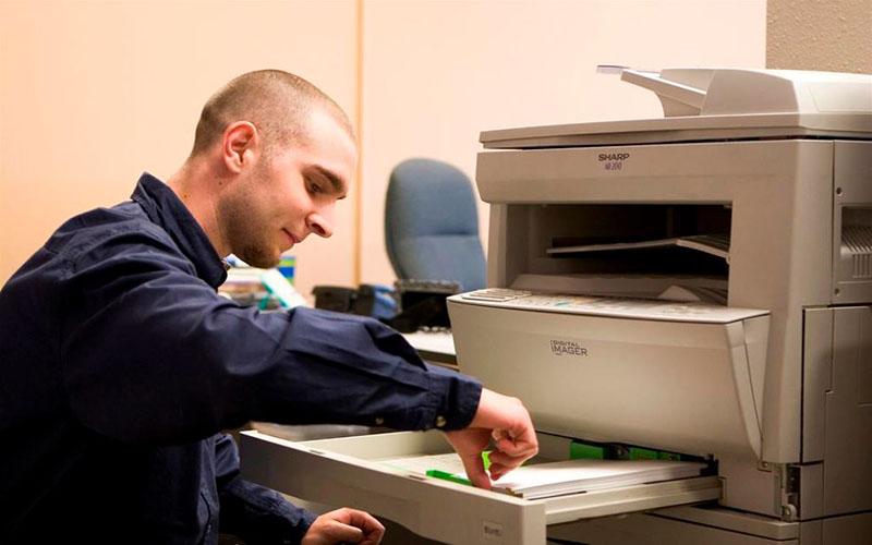 Kiểm tra và chỉnh lại khay giấy