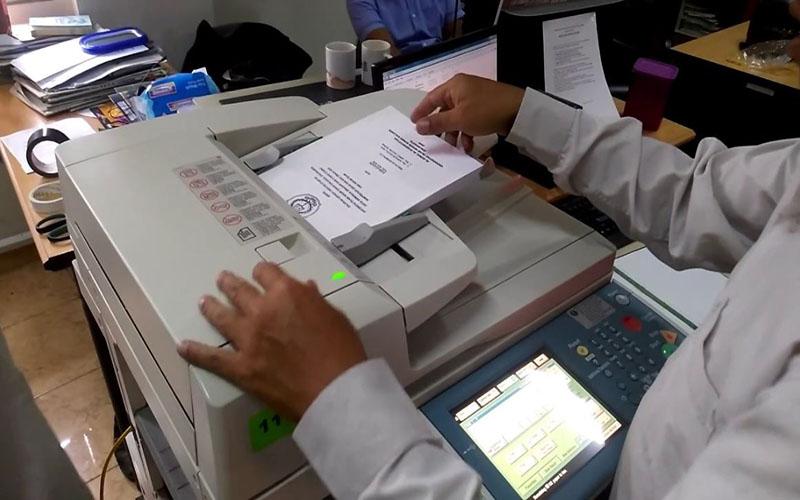 Chọn chế độ in 2 mặt để tiết kiệm giấy