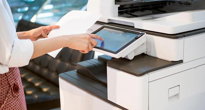 Gương phản xạ máy photocopy bị mờ do dơ bẩn
