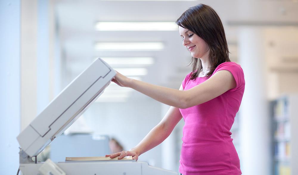 Phụ nữ mang thai sử dụng máy photocopy có bị sao không?