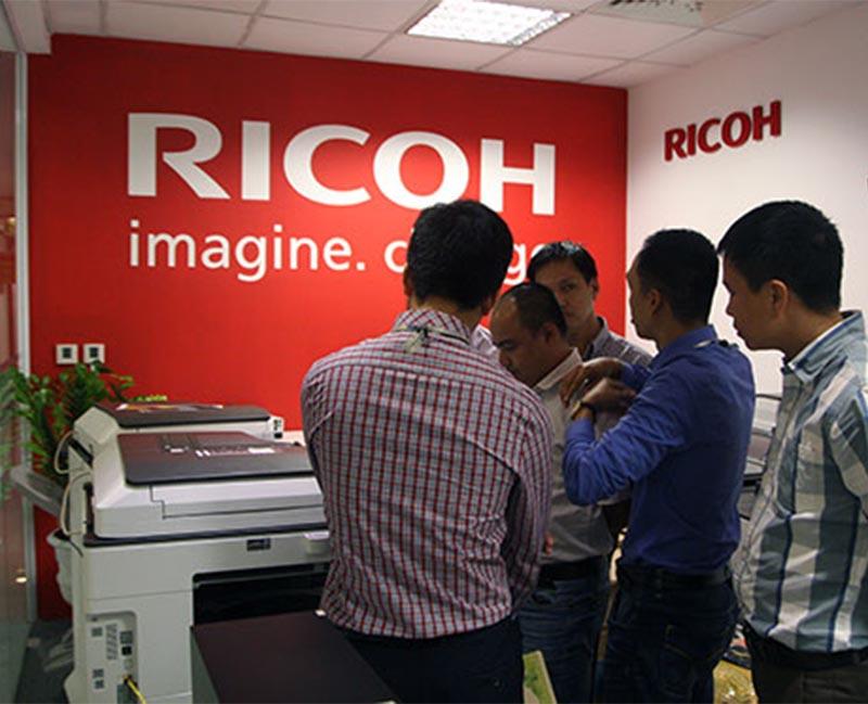 Sự phát triển của thương hiệu Ricoh